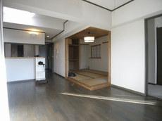 高橋リビングキッチン和室前.JPG